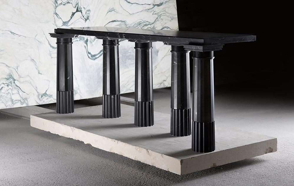 Karl Lagerfeld, marble furnitures, sculptures, szobor, bútor, Carpenters Workshop Gallery, Paris, Párizs, greek, márvány