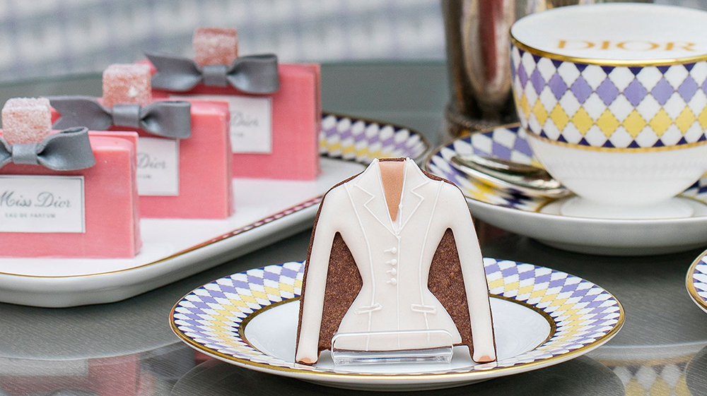 V&A Museum_London_Christian Dior_cake_biscuit_afternoon tea_