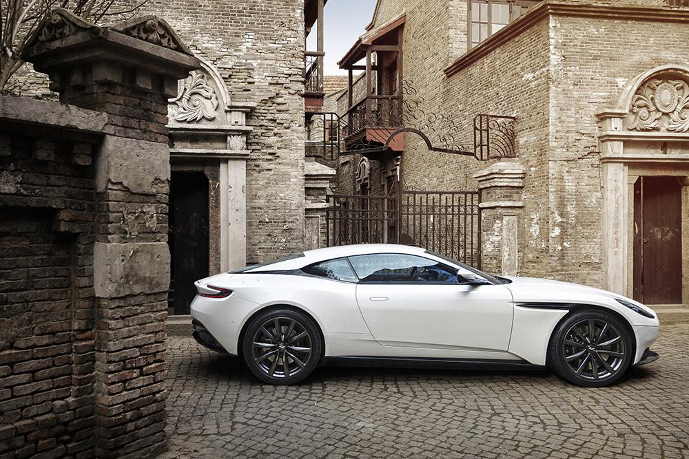 Aston Martin Budapest_Gablini