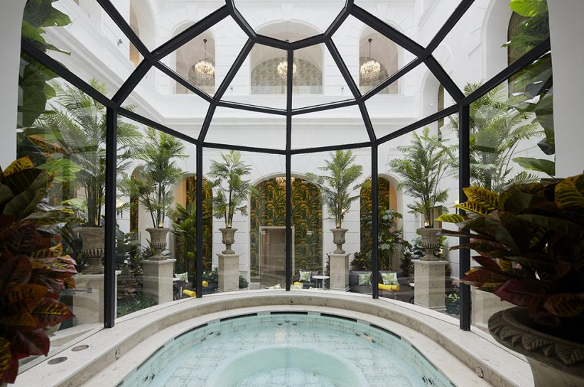 Mystery_Hotel_Budapest_The_Secret_Garden_Day_Spa_jacuzzi
