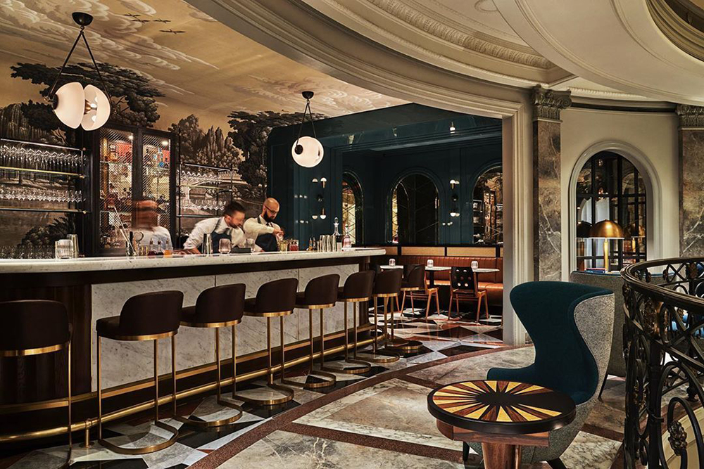 Bergdorf Goodman bar_New York