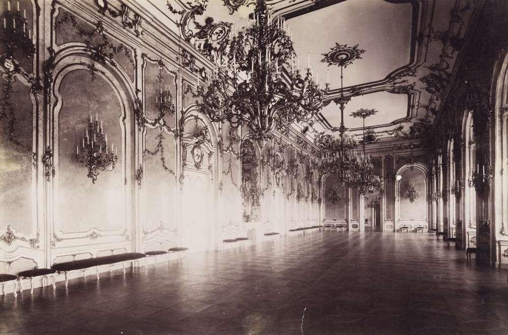 Budapest_királyi palota_vár_palace_royal_castle_district_building_rooms_world war