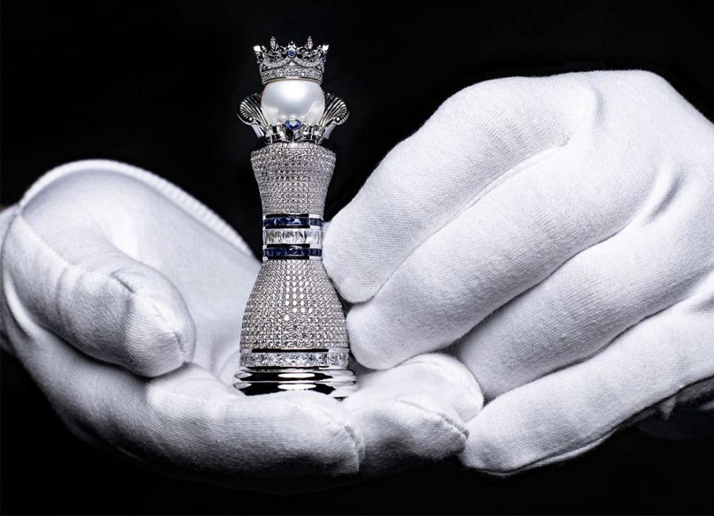 Worlds_Most_Expensive_Chess_Set_Colin Burn_sakk-készlet_legdrágább_gyémánt_diamond