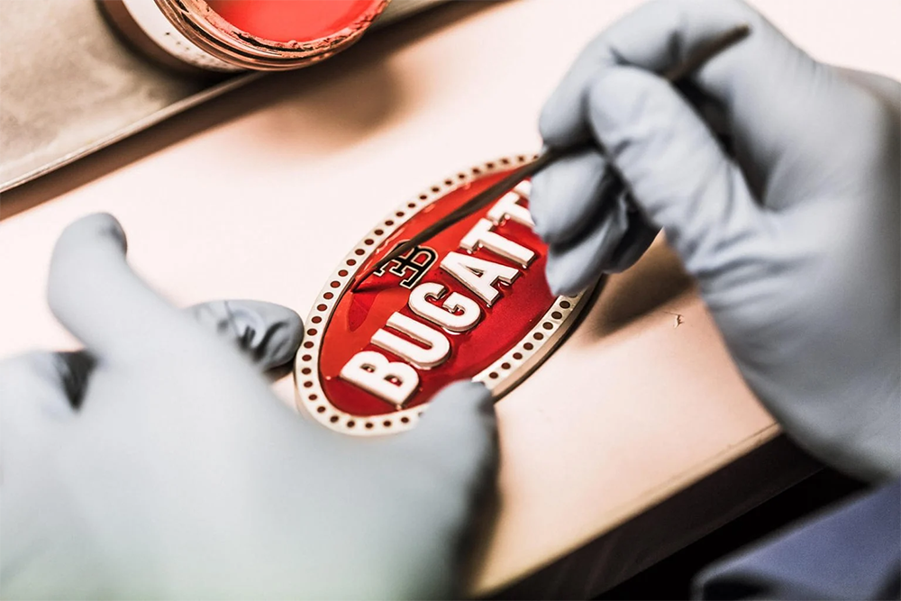 Bugatti badge_embléma